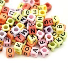 Kub bokstavspärlor i härliga färger 6x6mm