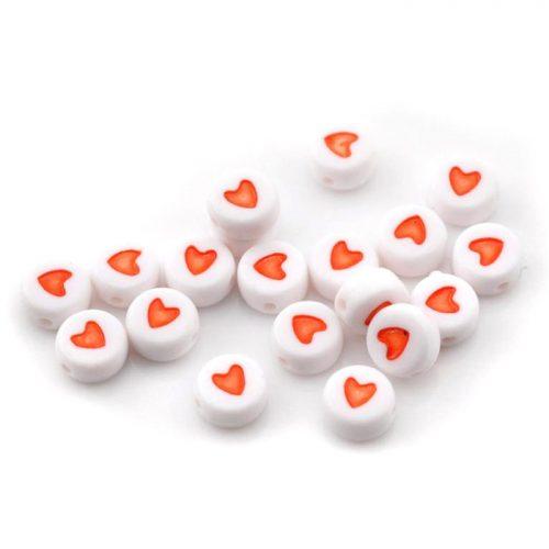 Vita pärlor med röda hjärtan 7mm