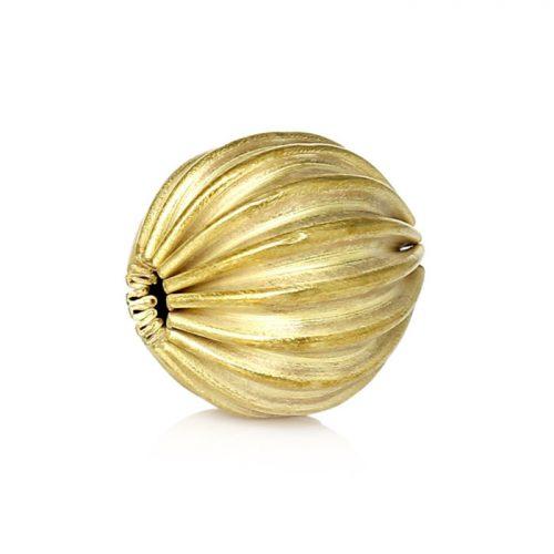 Räfflad rund guldfärgad pärla