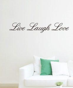 Väggtext med texten Live Laugh Love