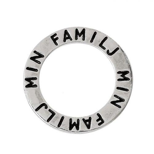 Budskapsring berlock i silver med texten min familj