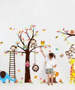 Väggdekor med träd och djur