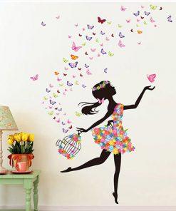 Väggdekor - flicka och fjärilar