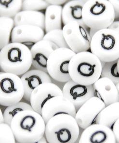 Bokstavspärlor 100 st - Q - 7 mm vit