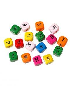 Trä bokstavspärlor i blandade färger 100 st