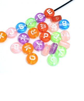 Runda färgglada bokstavspärlor 7 mm