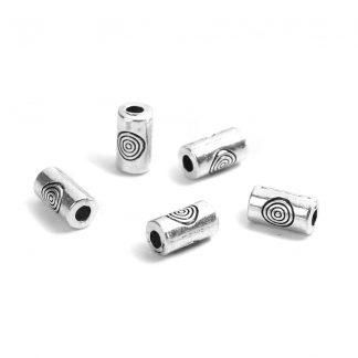 Cylinderformade mellandelar / metallpärlor med ringar graverade på