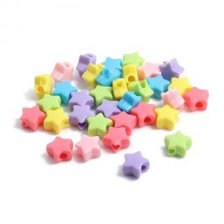 Pärlor stjärnformade i blandade färger